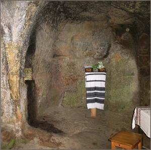 Chilia Sfântului Daniil Sihastrul - interior