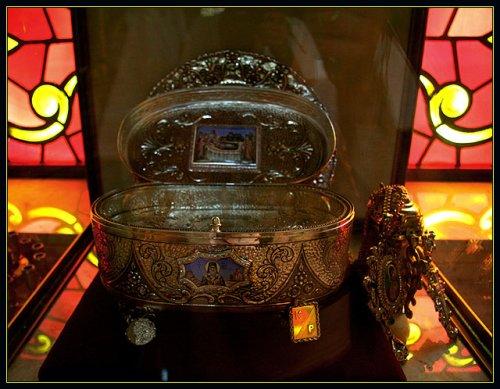 Holy relics of Saint Nektarious / Moaştele Sf'ntului Nectarie